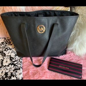Authentic Micheal Kors Purse and Wallet